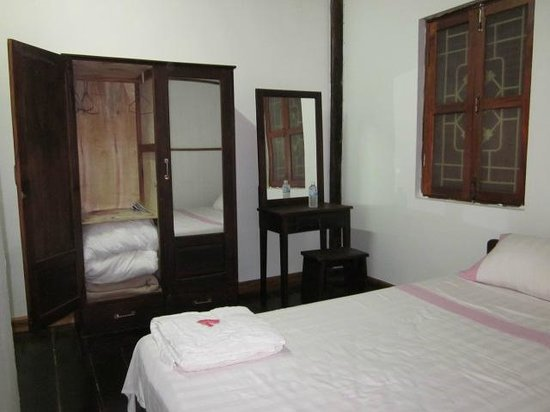 Wat That Guest House:                   Bed Room