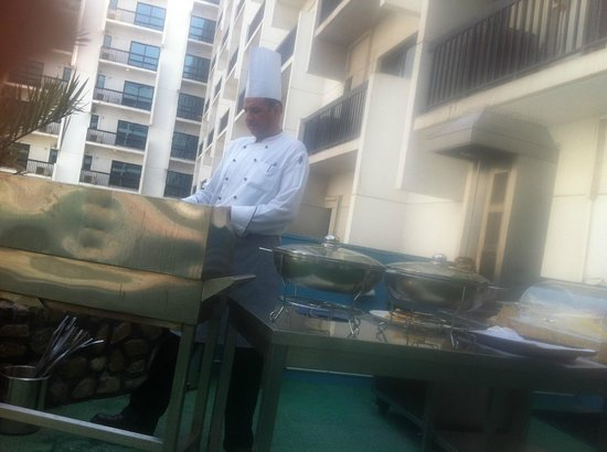 Golden Sands Hotel Apartments:                   The bbq at lunch time.
