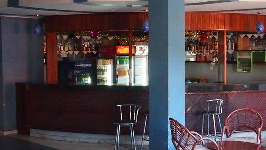 Aponye Hotel:                   Bar
