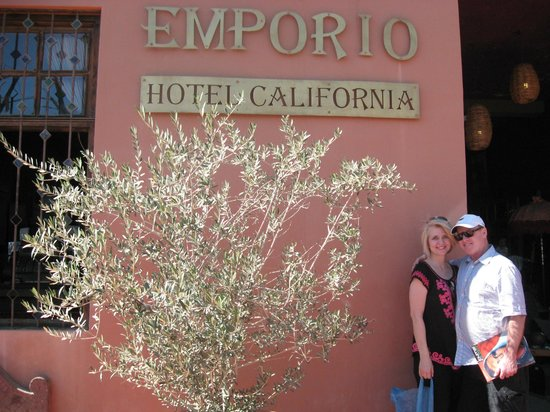 Hotel Palmas de Cortez:                   Todos Santos - Hotel California (Eagles)