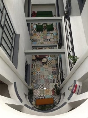 Stayinn Barefoot Condesa:                   view of lobby from the top
