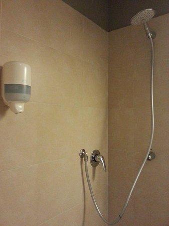 B&B Hotel Torino: bathroom