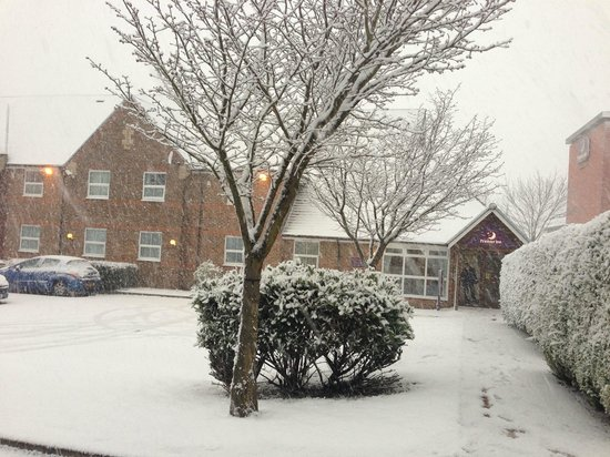 Premier Inn Portsmouth North Harbour Hotel: 18/1/2013 snow day