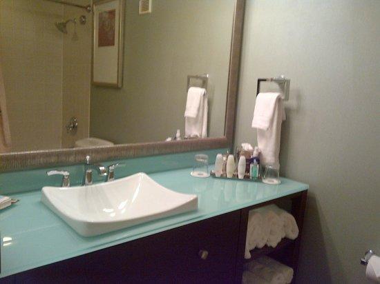Omni Corpus Christi Hotel: Bathroom