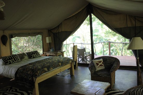 Olumara Camp:                   Room