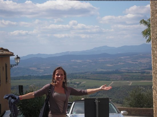 Monteriggioni, Italy:                   The Tour Guide herself!