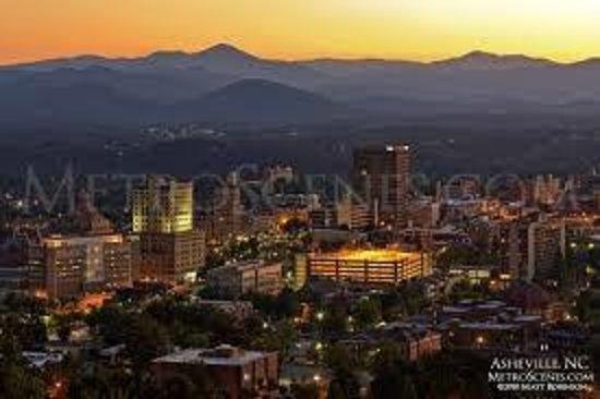 هوليداي إن آشفيل - بيلتمور إيست: Downtown Asheville only 7 Minutes
