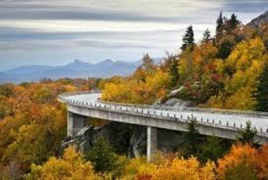 هوليداي إن آشفيل - بيلتمور إيست: Blue Ridge Parkway - 3 minutes Away