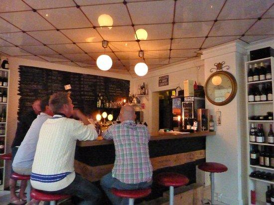 Vinbaren Vesterbro Torv: The bar