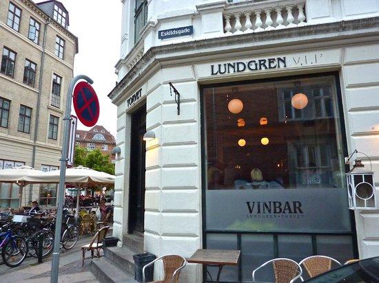 Vinbaren Vesterbro Torv: Exterior of Vinbar