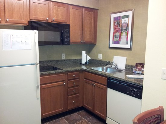 Residence Inn Boston Franklin:                                     kitchen