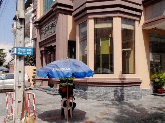 Salita Hotel: Corner view