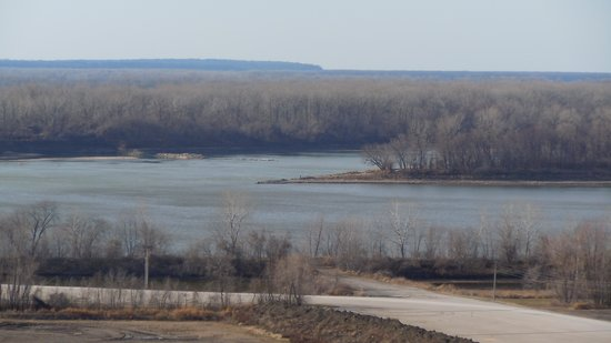Point where Mississippi and Missouri Rivers meet  Picture of