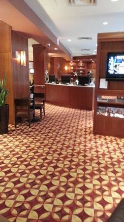 Hilton Boston Back Bay: Comfortable lobby area adjacent to business center