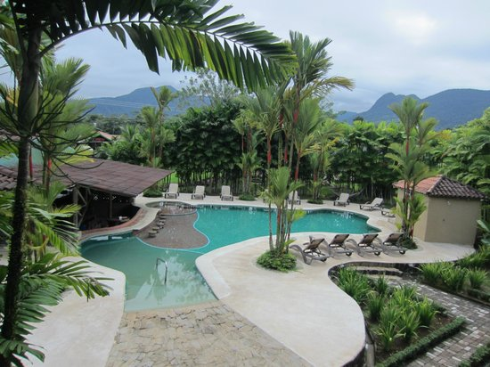 Arenal Backpackers Resort: Swimming Pool