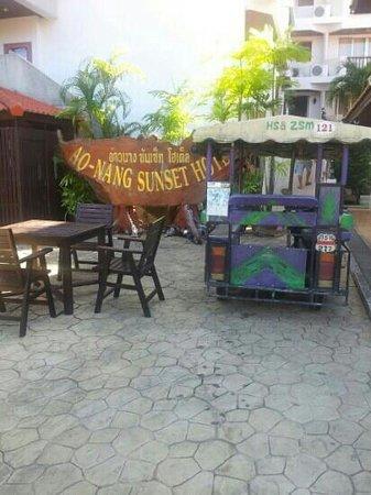 Ao-Nang Sunset Hotel:                   Tuk tuk