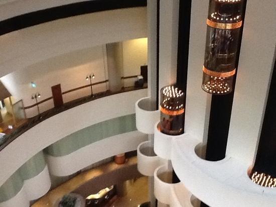 Holiday Inn Singapore Atrium:                   lobby