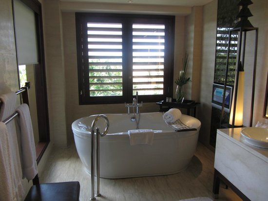 The St. Regis Bali Resort: Bathroom