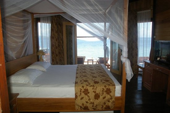 Tanta Moon Luxury Villas: Front Beach Room