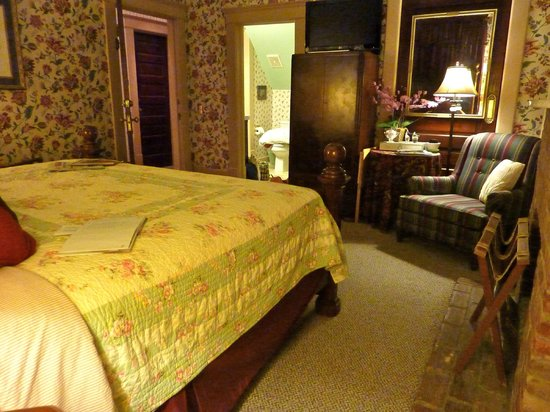 The Lattice Inn:                   Another view of our room