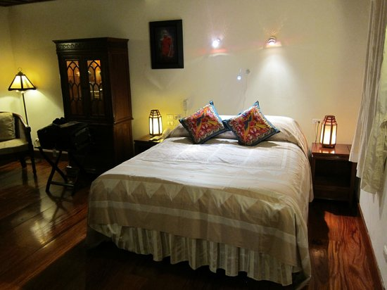 Mekong Riverview Hotel: Delightful Swedish bed!