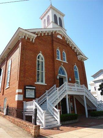 Montgomery Visitors Center :                   Dexter Avenue King Memorial Baptist Church