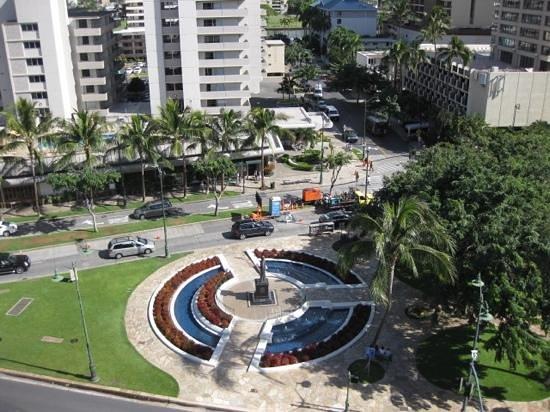Luana Waikiki Hotel & Suites: ベランダ☆彡