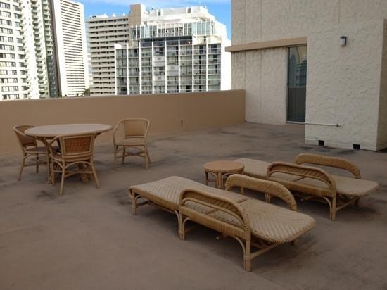 Luana Waikiki Hotel & Suites: 広いベランダ^_−☆