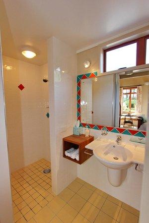 Mussel Bed Boutique B&B: Beachhut Ensuite Bathroom
