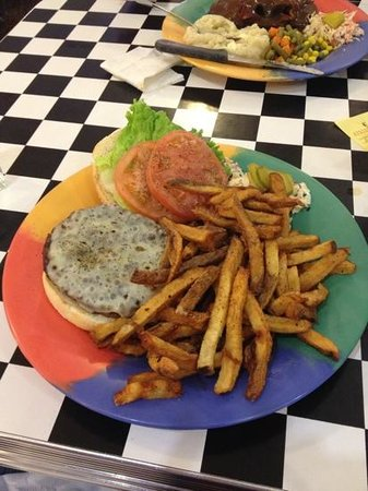 Broadway Cafe:                   deluxe cheeseburger platter