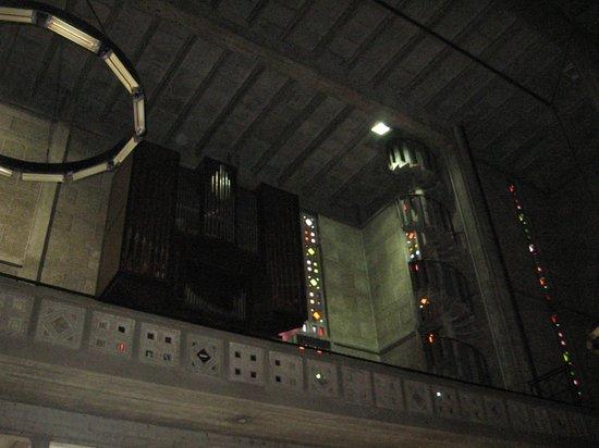 Église Saint-Joseph :                   Saint Joseph's Church Interior