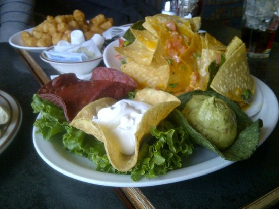 Sir Winston's Pub: Basic Nachos with homemade chips and guacamole