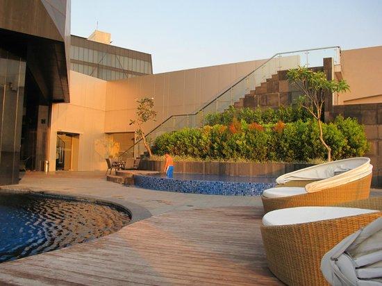 Pool Picture Of Crowne Plaza Semarang Semarang Tripadvisor
