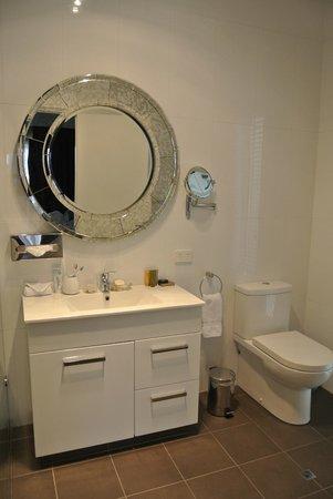 Burns Beach Bed & Breakfast: Bathroom