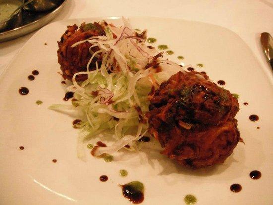 Dilruba Restaurant:                   Onion Bahji starter