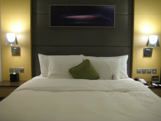 Crowne Plaza Hotel Hong Kong Causeway Bay:                   Bed