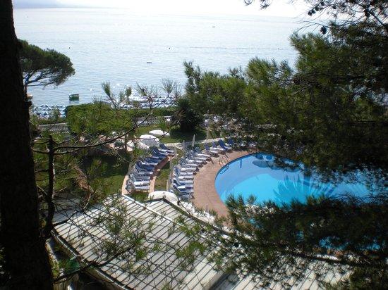 جراند هوتل ميرامار: vista sulla piscina 