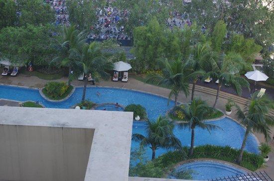 Cebu Radisson Blu Pool Area Picture Of Radisson Blu Cebu Cebu City Tripadvisor