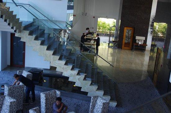 Acacia Hotel Manila: Acacia Hotel Alabang foyer