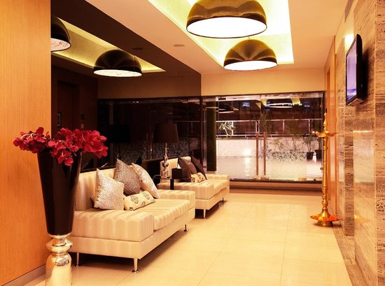 Mumbai Metro The Executive Hotel: reception