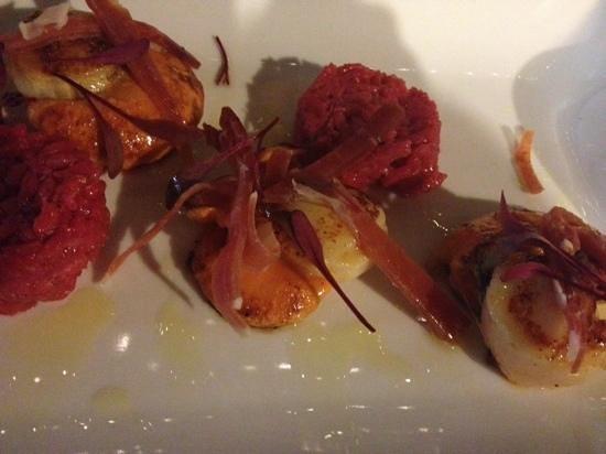 Green Herring Restaurant:                   scallops