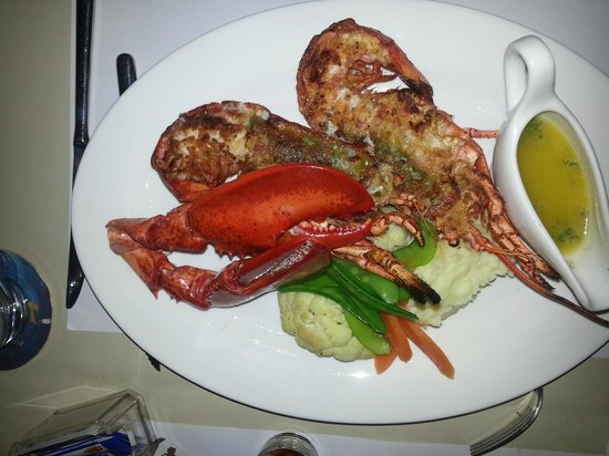 Gold Coast Restaurant & Bar : Lobster