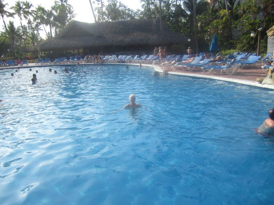 Barcelo Dominican Beach: une des piscines 
