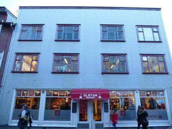 Glaetan Cafe Bistro Book Shop: front door