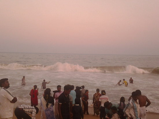 Marina Beach: crowded...