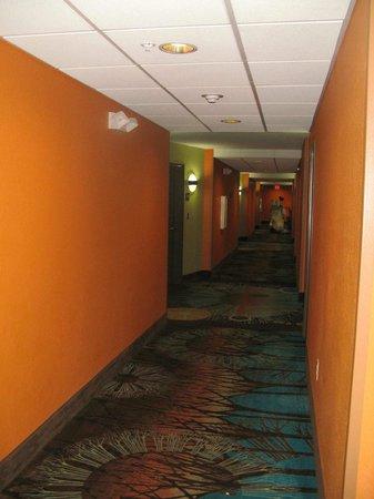 Comfort Suites at Fairgrounds - Casino: Interior Hallway