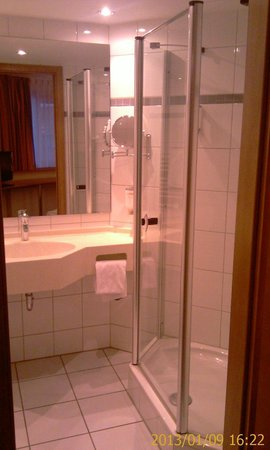 Quality Hotel Schwanen Stuttgart Airport/Messe: Bathroom