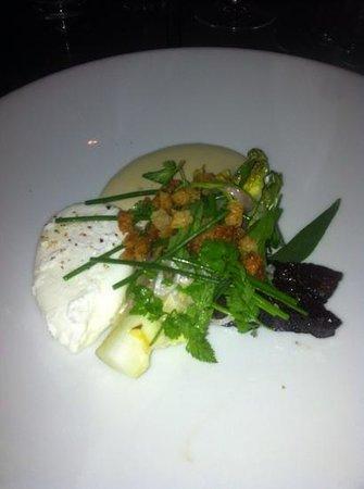Den Lille Fede Restaurant :                   hjertesalat med pocheret æg