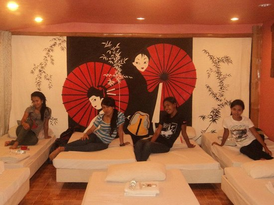ALTA Cebu Resort:                   ..at japanese heya room...