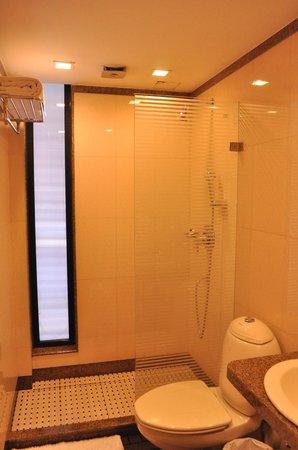 Hotel Casa Fortuna:                   bathroom